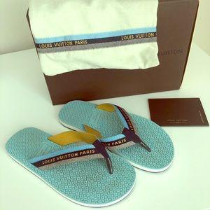 ❤️Louis Vuitton flip flops sandals worn once 36